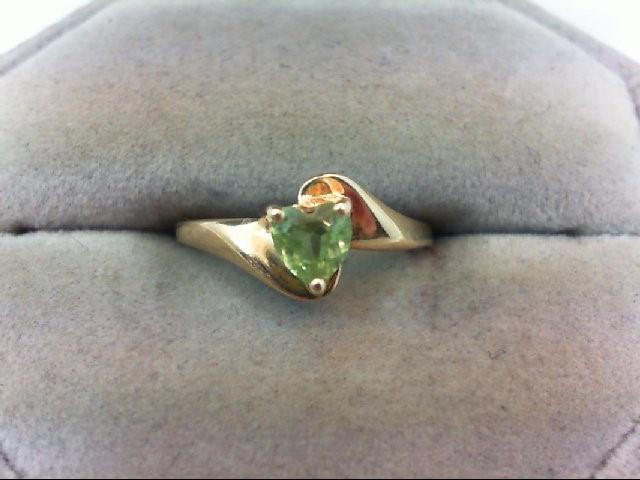 Peridot Lady's Stone Ring 10K Yellow Gold 1.3g
