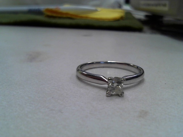 Lady's Diamond Solitaire Ring .25 CT. 14K White Gold 1.4dwt Size:7