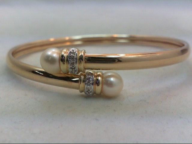 Gold-Diamond Bracelet 6 Diamonds .06 Carat T.W. 14K Yellow Gold 5.9g