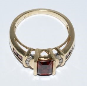 Lady's Garnet & Diamond Ring Set in 10K Yellow Gold