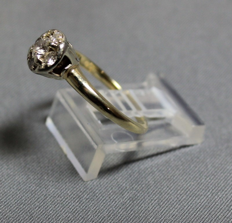 Lady's Diamond Cluster Ring 5 Diamonds .53 Carat T.W. 14K Yellow Gold 2.7g