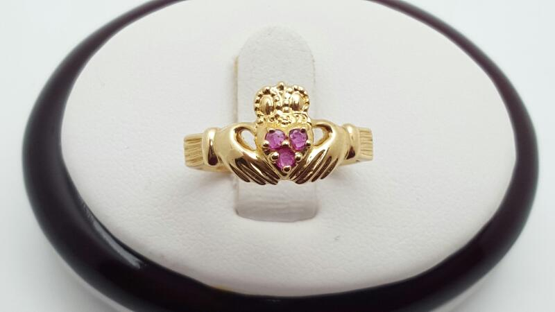 Lady's Ruby Ring 10K Yellow Gold 1.7g