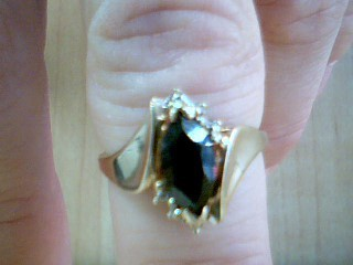 Black Stone Lady's Stone Ring 10K Yellow Gold 2.7g