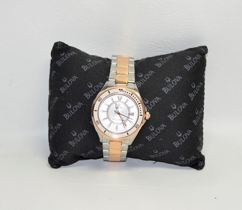 BULOVA Lady's Wristwatch 98M113