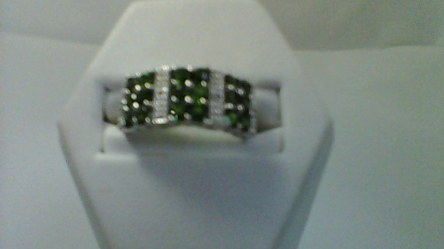 lady's sterling silver round green stone sz 7 , 4.6g ring