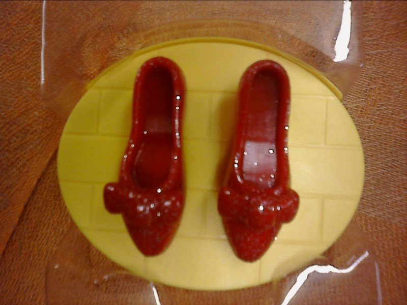 WIZARD OF OZ RUBY Slippers Click & Wish Kit in Box