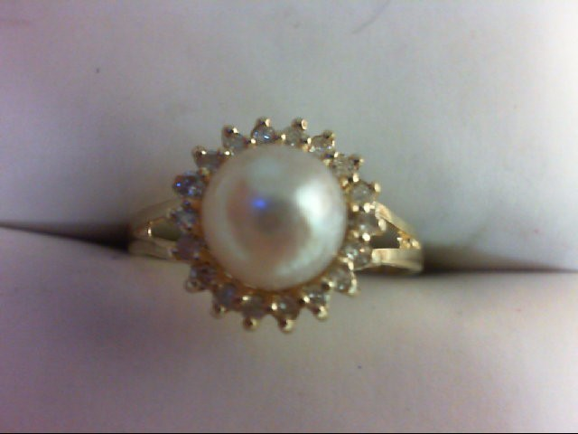 Pearl Lady's Stone & Diamond Ring 18 Diamonds 0.18 Carat T.W. 14K Yellow Gold 1.