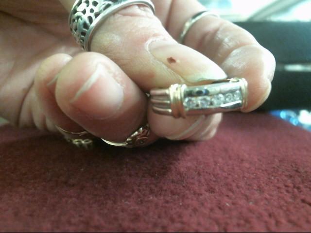 Lady's Diamond Wedding Band 5 Diamonds .30 Carat T.W. 14K 2 Tone Gold 3.3dwt