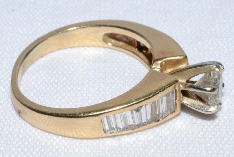 14K Yellow Gold Cathedral Set Round Brilliant Diamond Engagement Ring Size 7.5