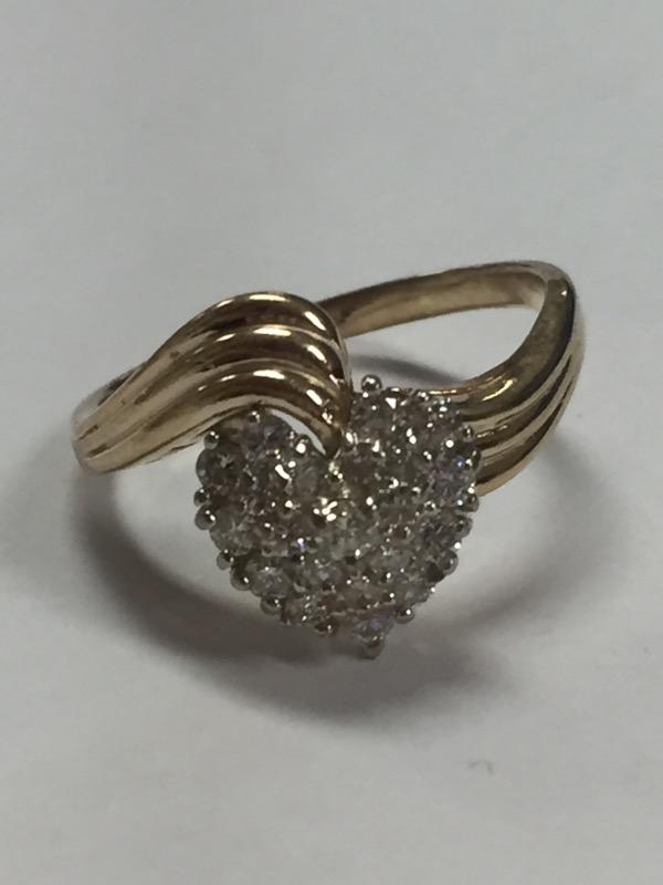 WOMEN'S 14K YELLOW GOLD HEART SHAPED DIAMOND RING, SIZE 10.5, 5.7 GRAMS