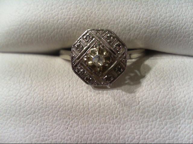 Lady's Diamond vintage Ring .05 CT. 10K White Gold 1.9g