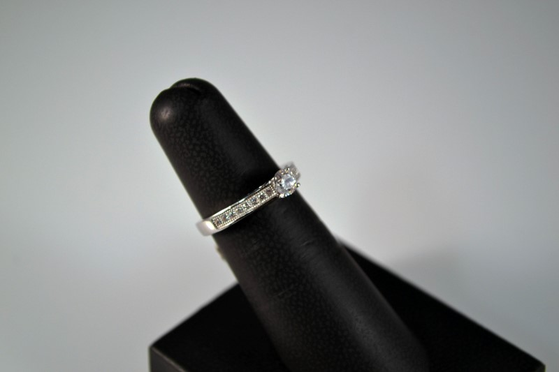 White Stone Lady's Silver & Stone Ring 925 Silver 2.7g Size:6
