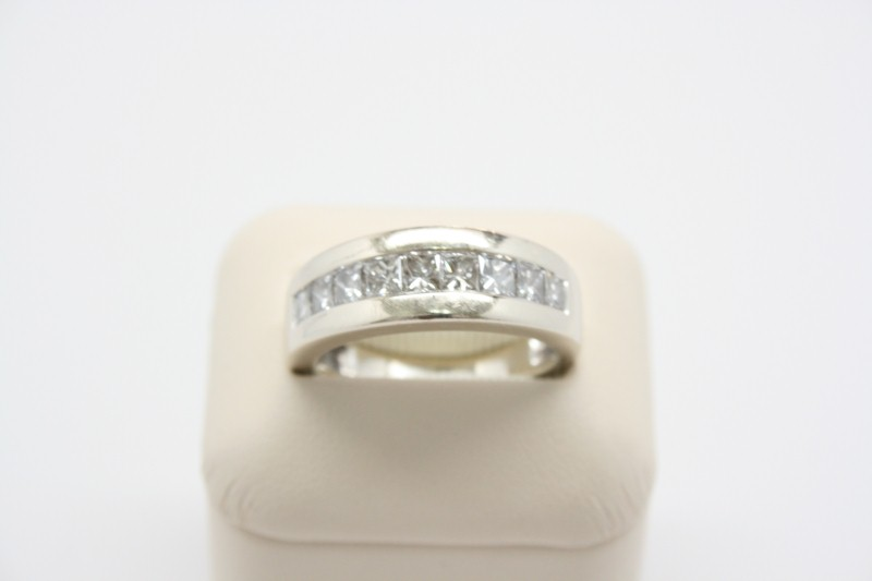 GENT'S 14K WHITE GOLD  PRINCESS DIAMOND BAND 1.71CTW APPROX