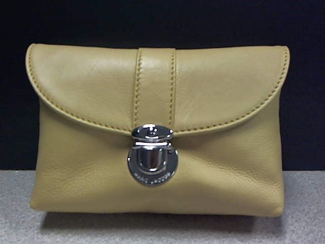 MARC JACOBS C343405 COSMETIC BAG HONEY