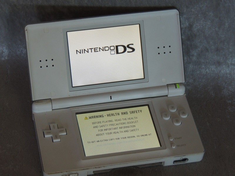 NINTENDO Video Game System DS LITE - HANDHELD GAME CONSOLE