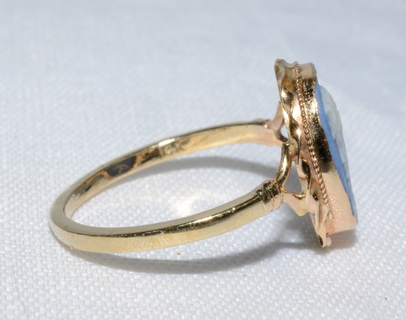 10K Yellow Gold Vintage Inspired Twisted Bezel Wedgewood Blue Cameo Ring sz 6