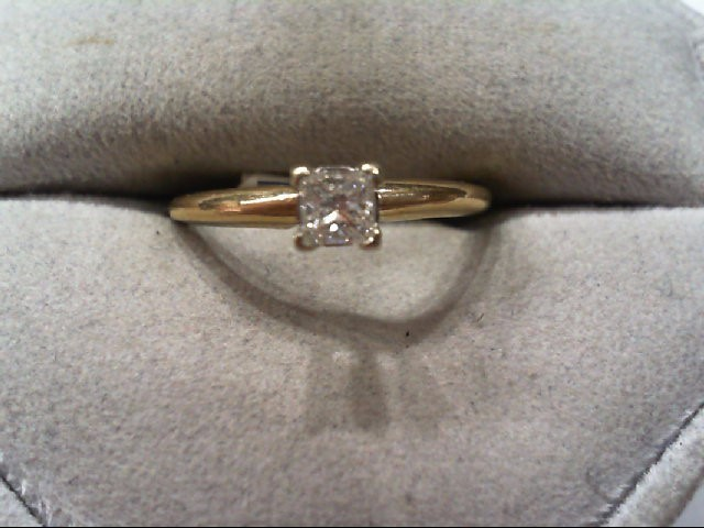 Lady's Diamond Engagement Ring .34 CT. 14K Yellow Gold 1.9g