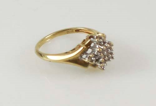 LADY'S DIAMOND CLUSTER RING 10KYG APX.21C.T.W SZ.7