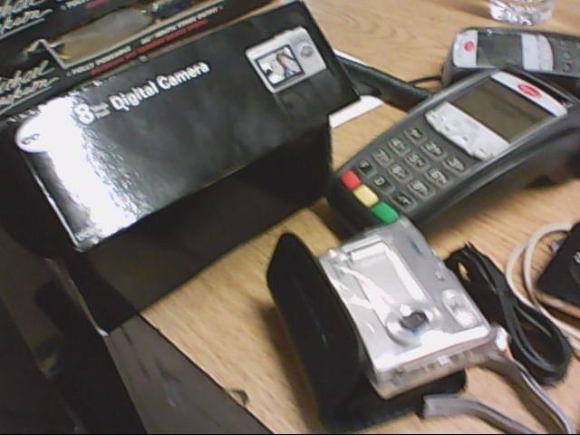 COBRA ELECTRONICS Digital Camera DC8000