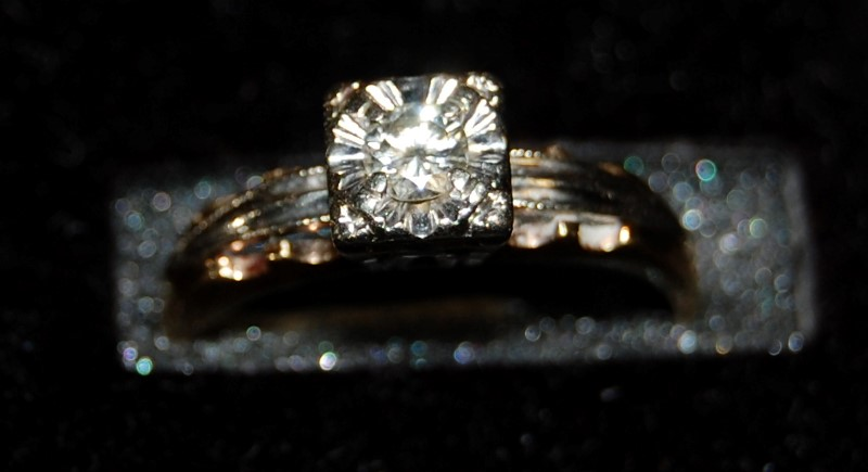 Lady's Diamond Engagement Ring .17 CT. 14K 2 Tone Gold 1.9g Size:5.5