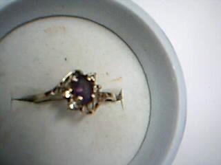 Purple Stone Lady's Stone Ring 14K Yellow Gold 1.95g