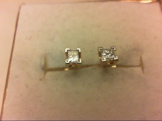 Gold-Diamond Earrings 2 Diamonds 0.3 Carat T.W. 14K Yellow Gold 0.8g