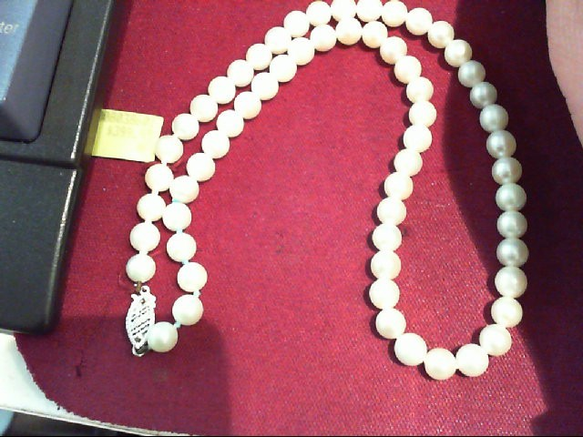 "18"" Pearl Strand Stone Necklace 14K White Gold 18.1g"