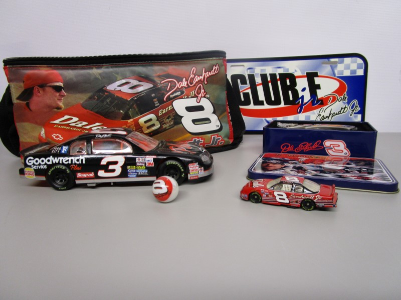 CLUB EARNHARDT COLLECTOR PACK
