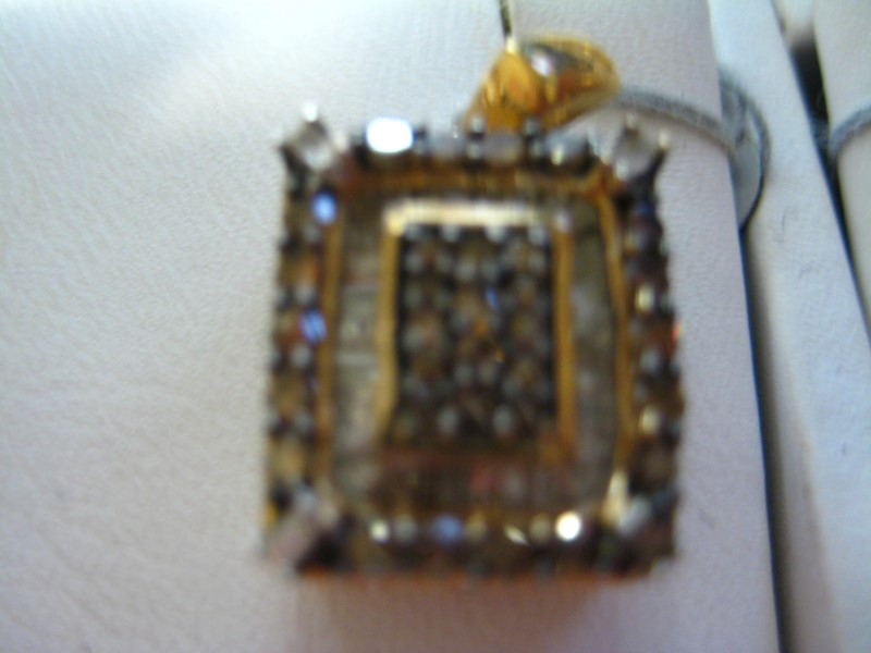 Gold Pendant 10K Yellow Gold 1g