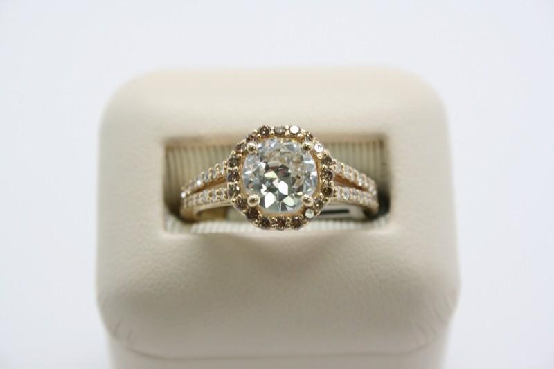 LADY'S FASHION DIAMOND RING 14K YELLOW GOLD