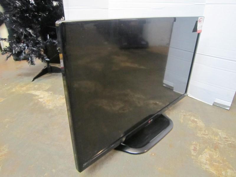 LG Flat Panel Television 32LN530B