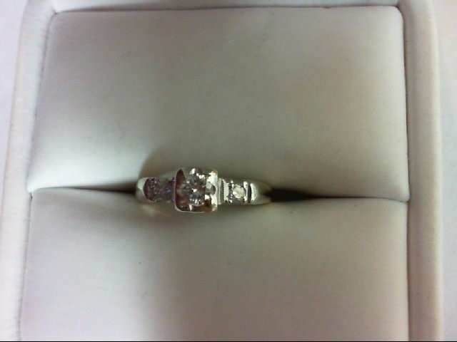 Lady's Diamond Engagement Ring 3 Diamonds 0.19 Carat T.W. 14K 2 Tone Gold 1.7g S