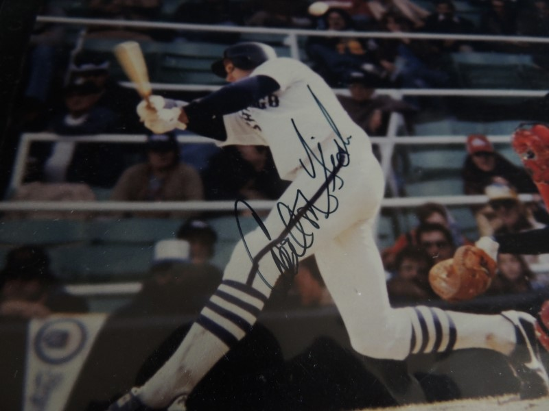 CARLTON FISK PHOTO ACTION PHOTOGRAPH WITH AUTOGRAPH 8x10