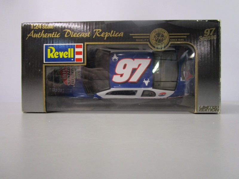 REVELL Toy 1:24-SCALE COLLECTIBLE