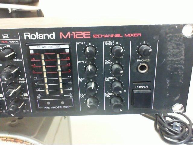 ROLAND Mixer M-12E