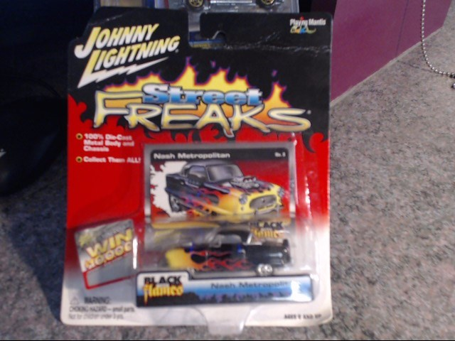 JOHNNY LIGHTNING Toy Vehicle STREEET FREAKS NASH METROPOLITAN