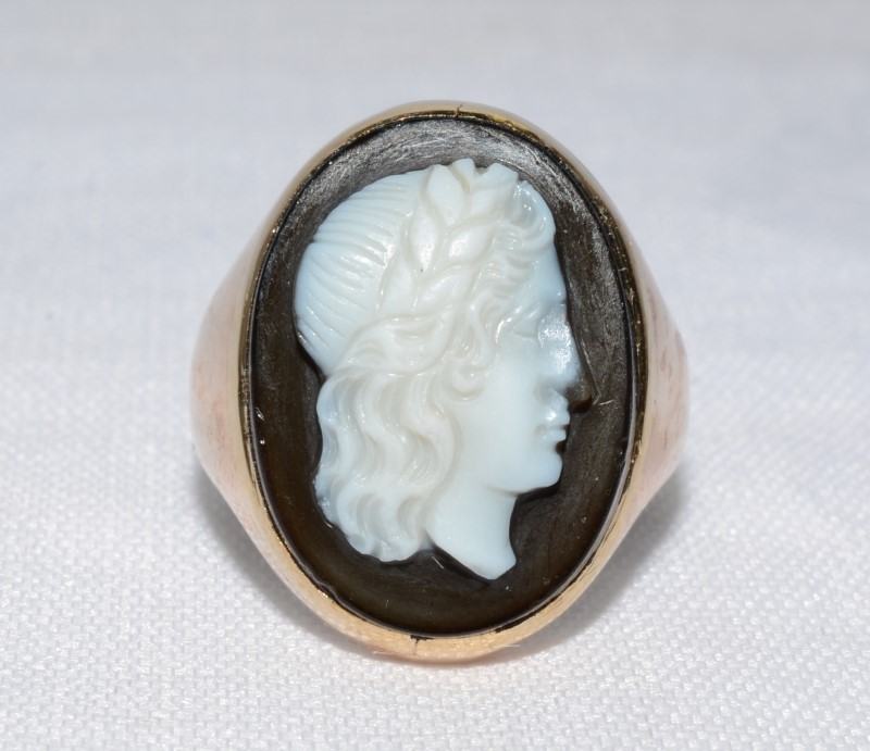 10K YELLOW GOLD BLACK CAMEO Size:5