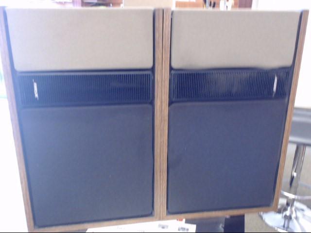BOSE - 301 - Series II - Vintage Bookshelf Speakers
