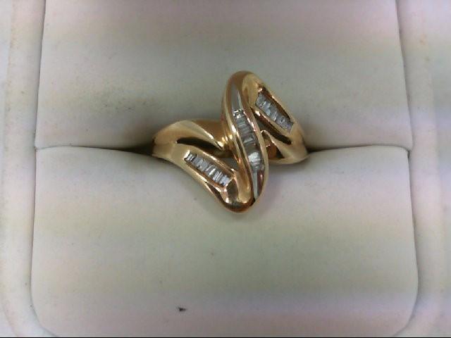 Lady's Diamond Cluster Ring 19 Diamonds .19 Carat T.W. 10K Yellow Gold 2.5g