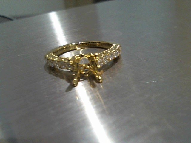 Lady's Gold Ring 18K Yellow Gold 3.6g