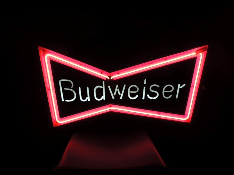 BUDWEISER BOWTIE NEON BAR LIGHT VINTAGE