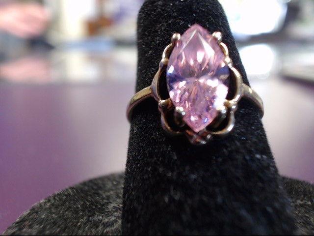 Pink Stone Lady's Stone Ring 10K Yellow Gold 1.98g