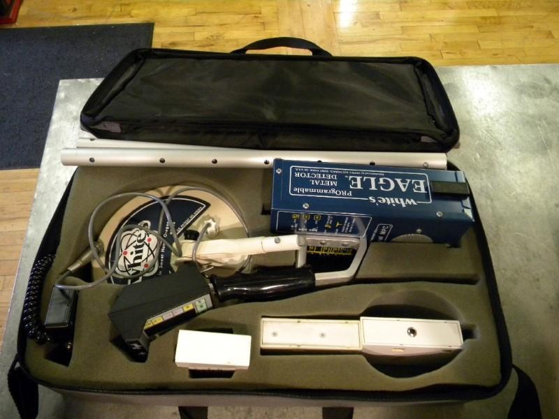 WHITES ELECTRONICS Metal Detector EAGLE