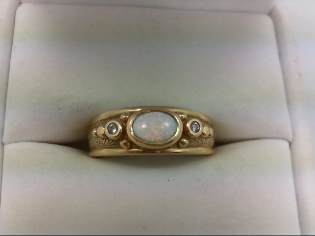 Opal Lady's Stone & Diamond Ring 2 Diamonds 0.06 Carat T.W. 14K Yellow Gold 5.7g
