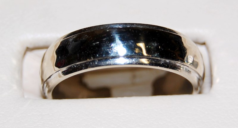 14K White Gold Gent's Wedding Band 8.2G Size 8.25
