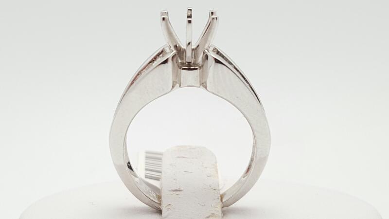 Lady's Diamond Engagement Ring 7 Diamonds .70 Carat T.W. 18K White Gold 6.1g