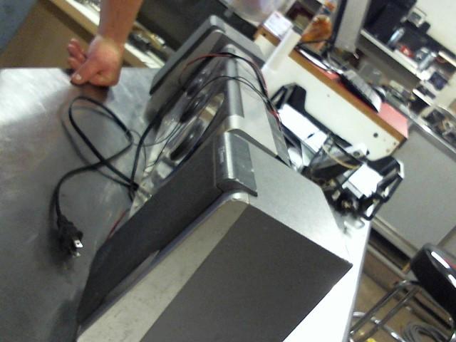 SONY DVD Player HOME THEATRE SYSTEM DAV-TZ140