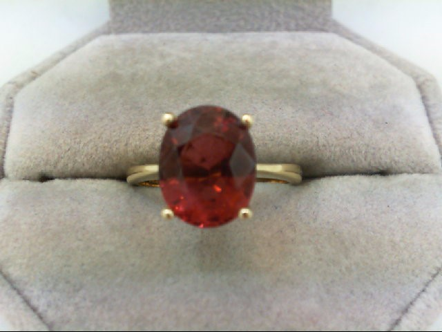 Almandite Garnet Lady's Stone Ring 14K Yellow Gold 3.4g