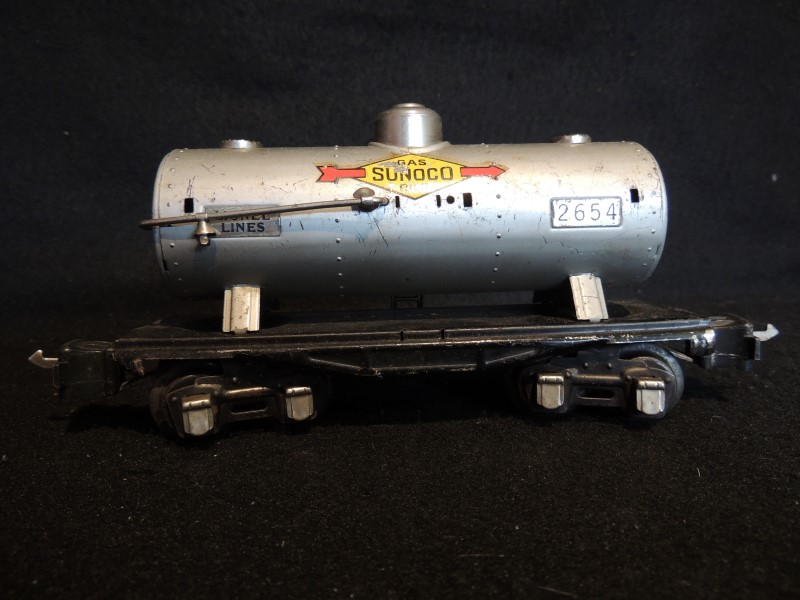 LIONEL TRAIN PREWAR NO. 2654 LINES TANK CAR SUNOCO 1938-42 - VERY NICE