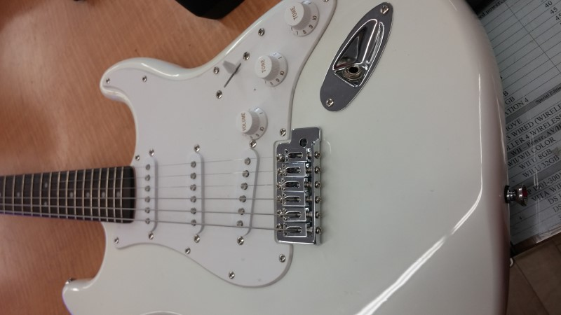 FENDER Electric Guitar BULLET STRAT